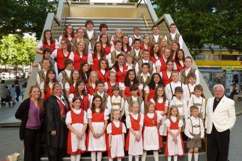 Deutsch-Amerikanischer Kinder- und Jugendchor with Carol Himmel and Glen Sorgatz